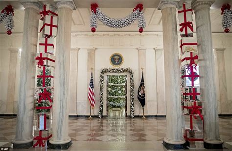 the white house debuts its christmas decorations for obama