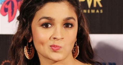 indian actors actresses alia bhatt named most famous indian actress