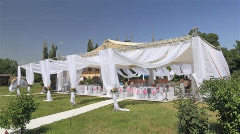 Outdoor Tent Wedding The Best Outdoor Locations For Any Wedding Budget