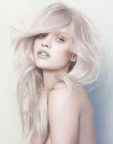 Chic platinum blonde hair