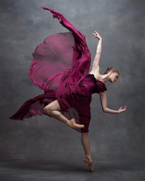 15  Breathtaking Photos Of Dancers In Motion Reveal The Extraordinary Grace Of Their Bodies