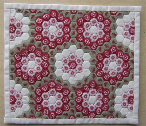 Paper Hexagon Templates For Patchwork - sew many yarns paper piecing patchwork