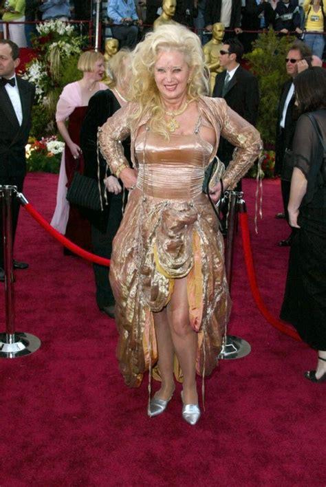 Curtain Tips by Oscar Fever 12 Worst Oscar Dresses Of All Time