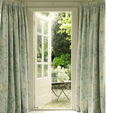 country house curtains decorate a bay window dress and decorate country windows