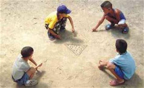 imagenes de niños jugando metras juegos y juguetes de la abuela juegos tradicionales de