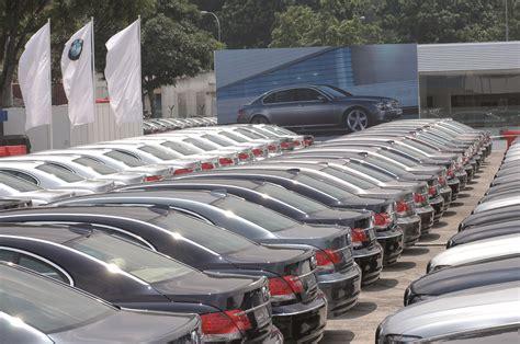 bmw dealership cars bmw cpo sales up 5 digital dealer