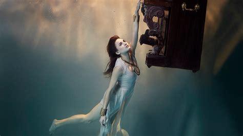 underwater by harry fayt www facebook com thewomanbook photography 無重力 水中 人像 攝影 攝影師 harry fayt 的漂浮魔法 digiphoto 用鏡頭享受生命