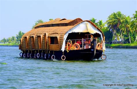kerala tourism alleppey boat house munnar or alleppey which is the better tourist place in