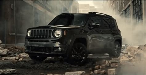 batman jeep batman sulla jeep renegade nel nuovo film video