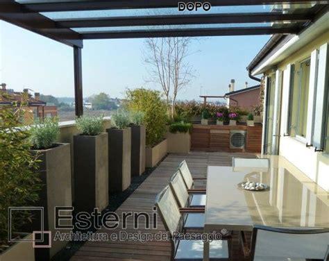 idee per terrazzi fioriti oltre 25 fantastiche idee su copertura pergolato su