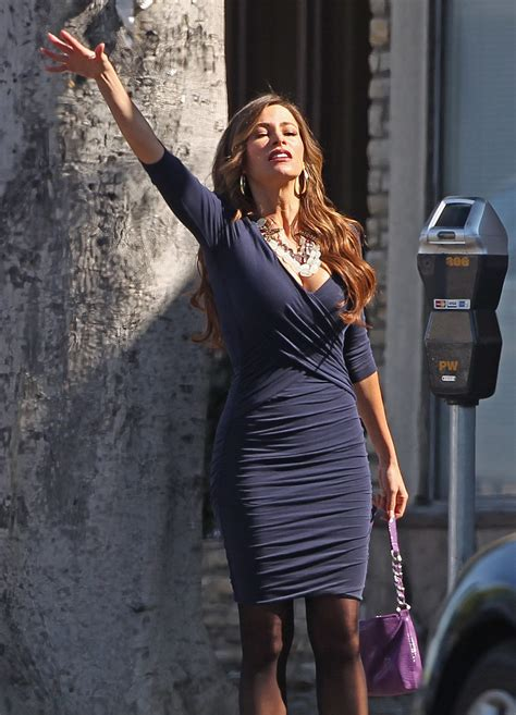 sofia freeones sofia vergara showing cleavage on the set of modern