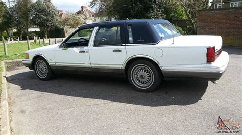 service manual manual 1992 lincoln town car roof removal 1993 lincoln town car data info and