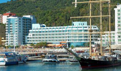 boat club golden beach hotel berlin golden beach 4 nisipurile de aur bulgaria