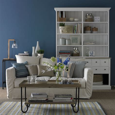 pantone colour   year  revealed  classic blue