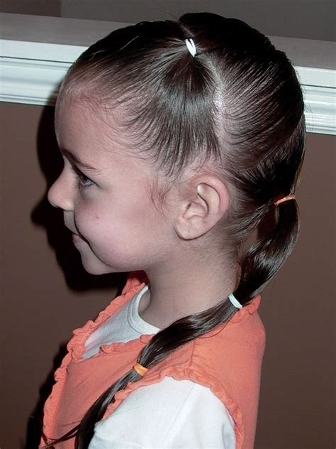 little girl hairstyles in ponytails little girl s hairstyles how to do a zig zag puffy braid