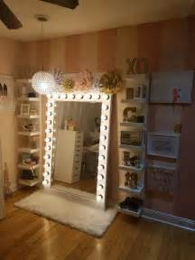 Bathroom Vanity With Makeup Area by 25 Best Ideas About Lighted Mirror On Pinterest Diy
