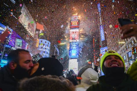 new year parade times photos new year s celebrated in new york city s times