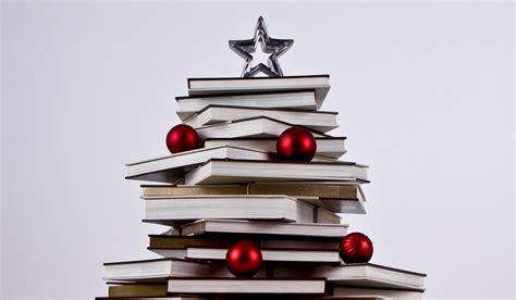 imagenes navidad y libros galer 205 a 193 rboles de navidad hechos con libros planeta de