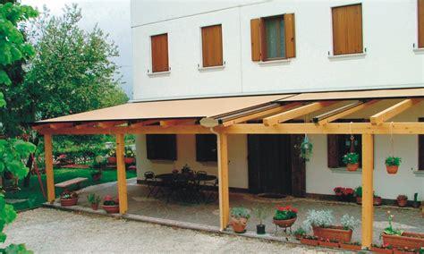 tende per pergolati in legno prezzi pergole in legno con tenda mobile
