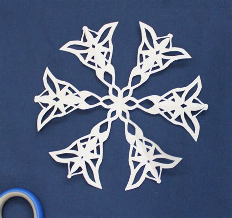geeky snowflake patterns cation designs geeky star wars and lotr snowflakes