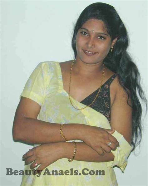aunt s house aunty dengulata chennai tamil hot house wife aunty anitha removing saree hot pictures