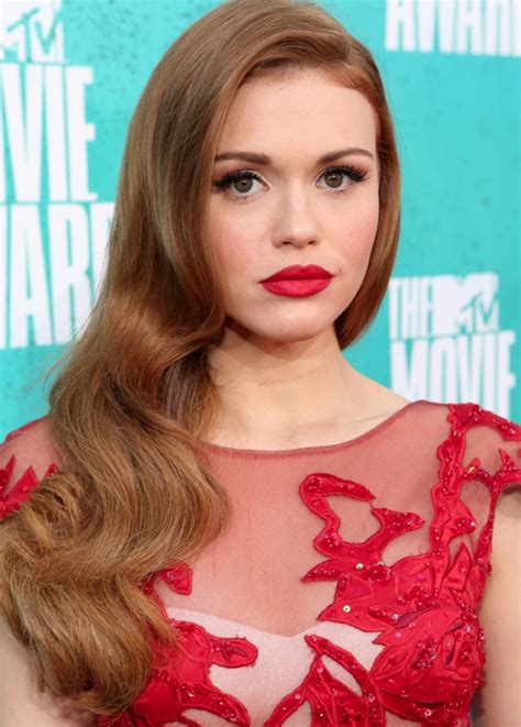 Holland Roden & The Tumbling Waves   StyleNoted