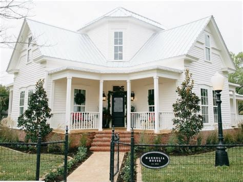 Magnolia House The New fixer opens cutest b b in and demand is nuts culturemap dallas