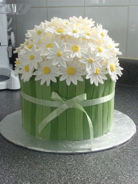 beautiful easter cakes 20 easter cakes ideas easter easter dinner and daisy cakes