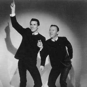 testo unchained melody the righteous brothers le canzoni testi e musica playme it