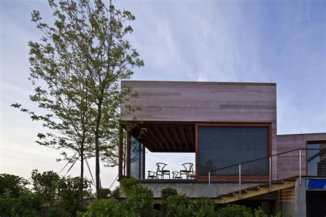 Chappaquiddick Woodworking Oceanfront Family Home In Edgartown Massachusetts