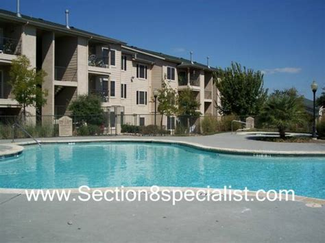 find section 8 apartments central eas t