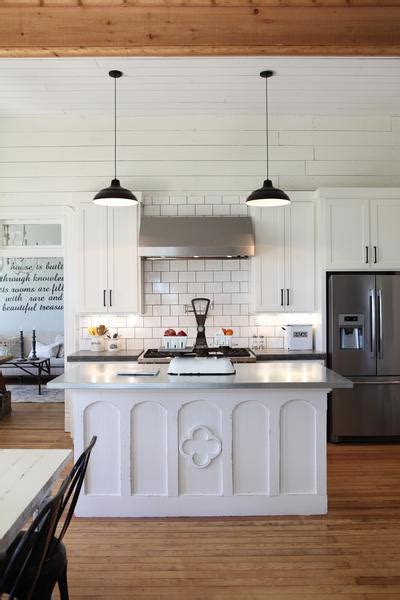 joanna chip gaines the farmhouse kitchen chip joanna gaines beautiful house