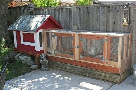 chicken coop for small backyard small chicken coop intodust42 interesting pins pinterest