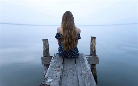 wallpaper of girl sitting alone girl sitting alone wallpaper hdwallpaperfx
