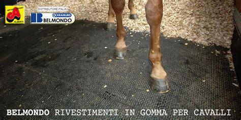 pavimenti in gomma per cavalli tappeti in gomma kraiburg per cavalli alberti agri