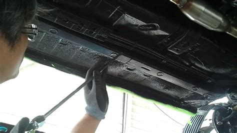 spray painting undercarriage undercarriage coating undercarriage soundproof 수성 언더코팅
