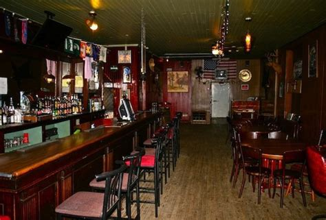 Top Dive Bars In Nyc by These Are The 33 Best Dive Bars In America Huffpost