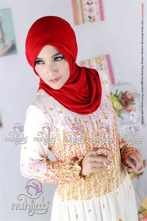 Dress Bahan Scuba Motif Bunga Quality Fit To L dress motif bunga dewihijab