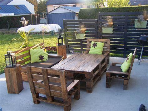 mobilier patio mon salon de jardin et mon claustras en palettes wow