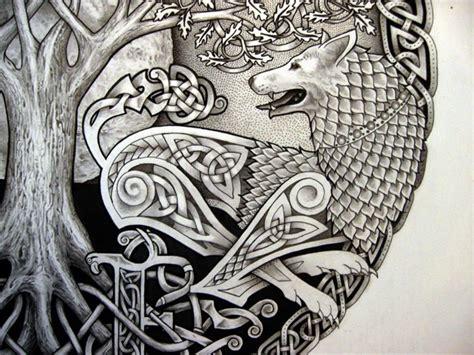 celtic tree n wolf design apanache