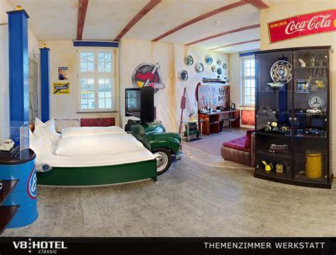 werkstatt zimmer v8 werkstatt 220 bernachten im themenzimmer v8 hotel