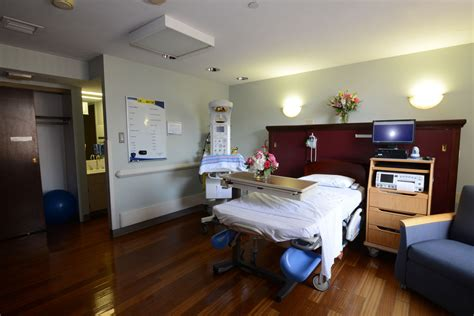 labor and delivery room tour our labor and delivery rooms barnes hospital