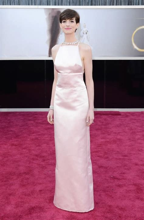Oscars More Dress News by Hathaway S Oscars Dress Inspires Mock Handle
