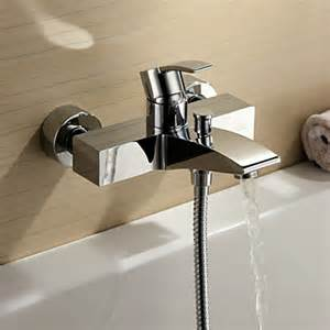 chrome finish single handle wall mount bathtub faucet