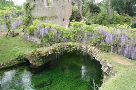 ninfa giardino garden of ninfa