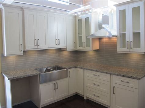 Shaker Kitchen Cabinets White by White Shaker Kitchen White Shaker Kitchen Cabinets Shaker