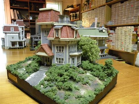 house diorama zane structures semi house diorama item 534 1 87 scale house is approximately half of