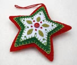 best 25 christmas felt crafts ideas on pinterest felt