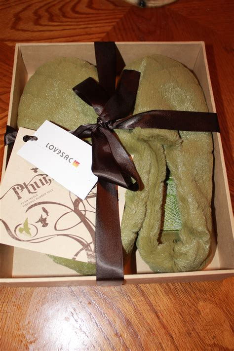 lovesac slippers lovesac green phur slippers review of a southern