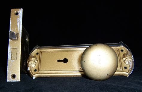 Door Knob Escutcheon Plate by Vintage Brass Door Knob Set Mechanism Escutcheon Plates Ebay